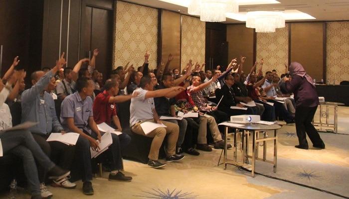 Motivator Indonesia Ainy Fauziyah motivasi sukses leadership motivation